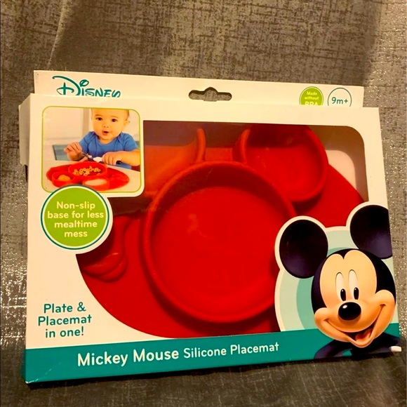 ❣️SOLD❣️Mickey Mouse Silicone Place mat & Plate